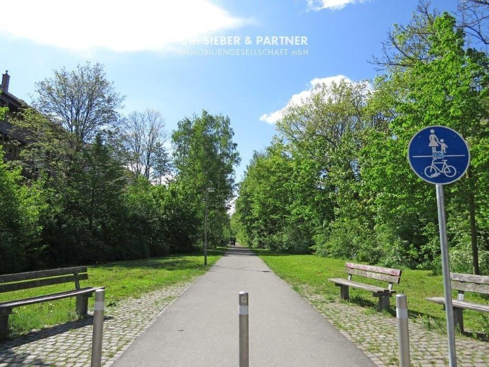 Radweg hinterm Haus