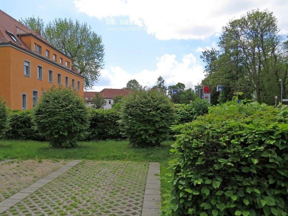 Stellplatz vorm Haus