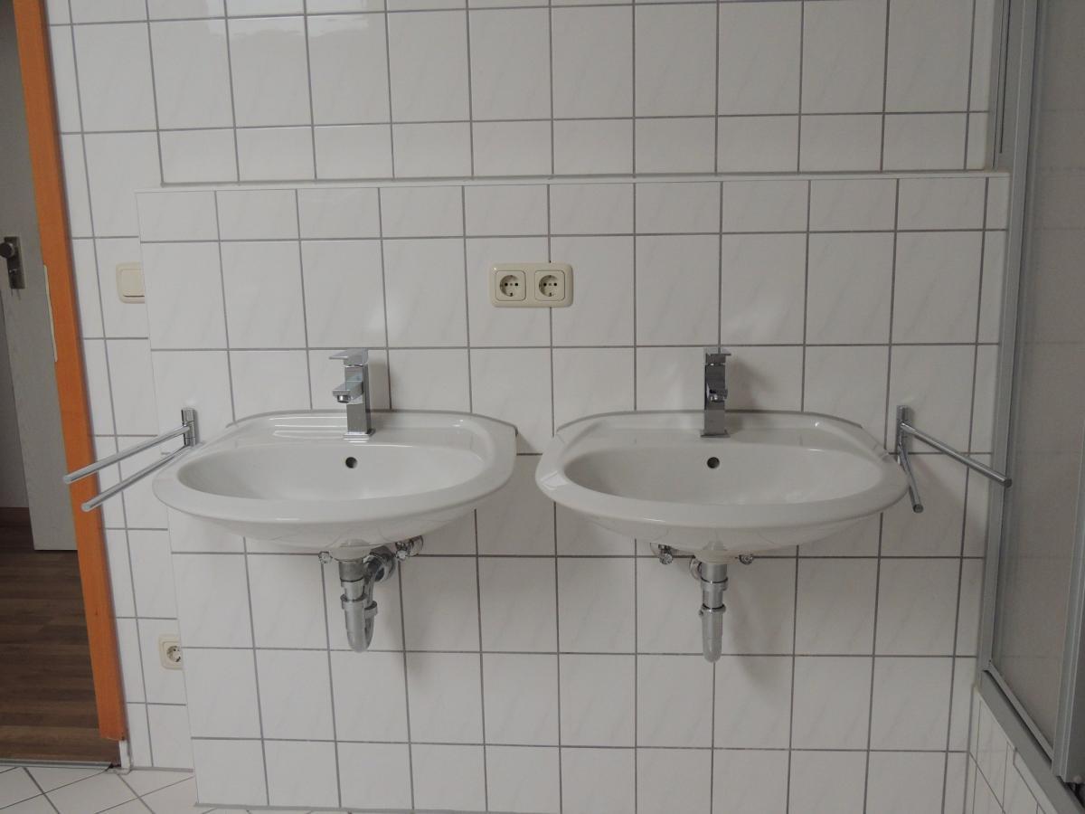 2 Waschtische